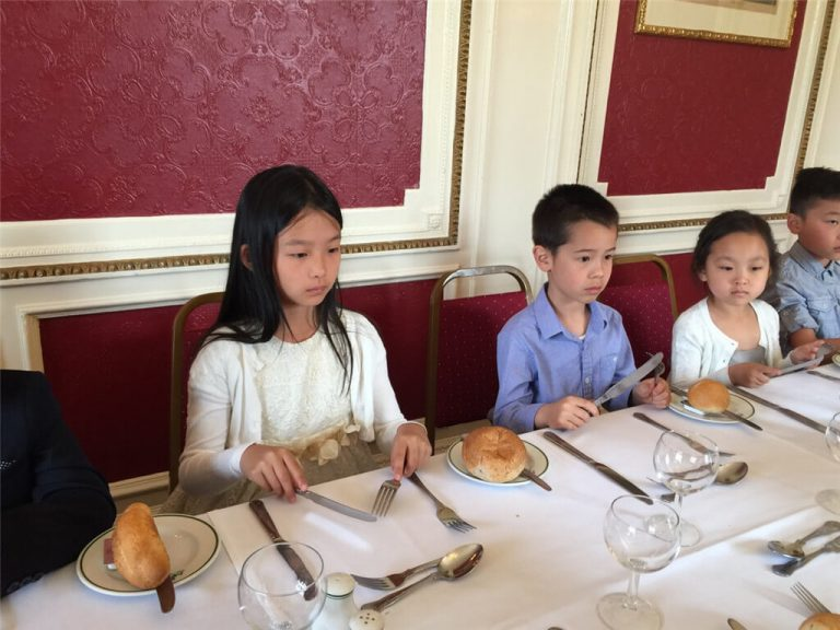 Real Chinese Academy Dining Etiquette Training Class
